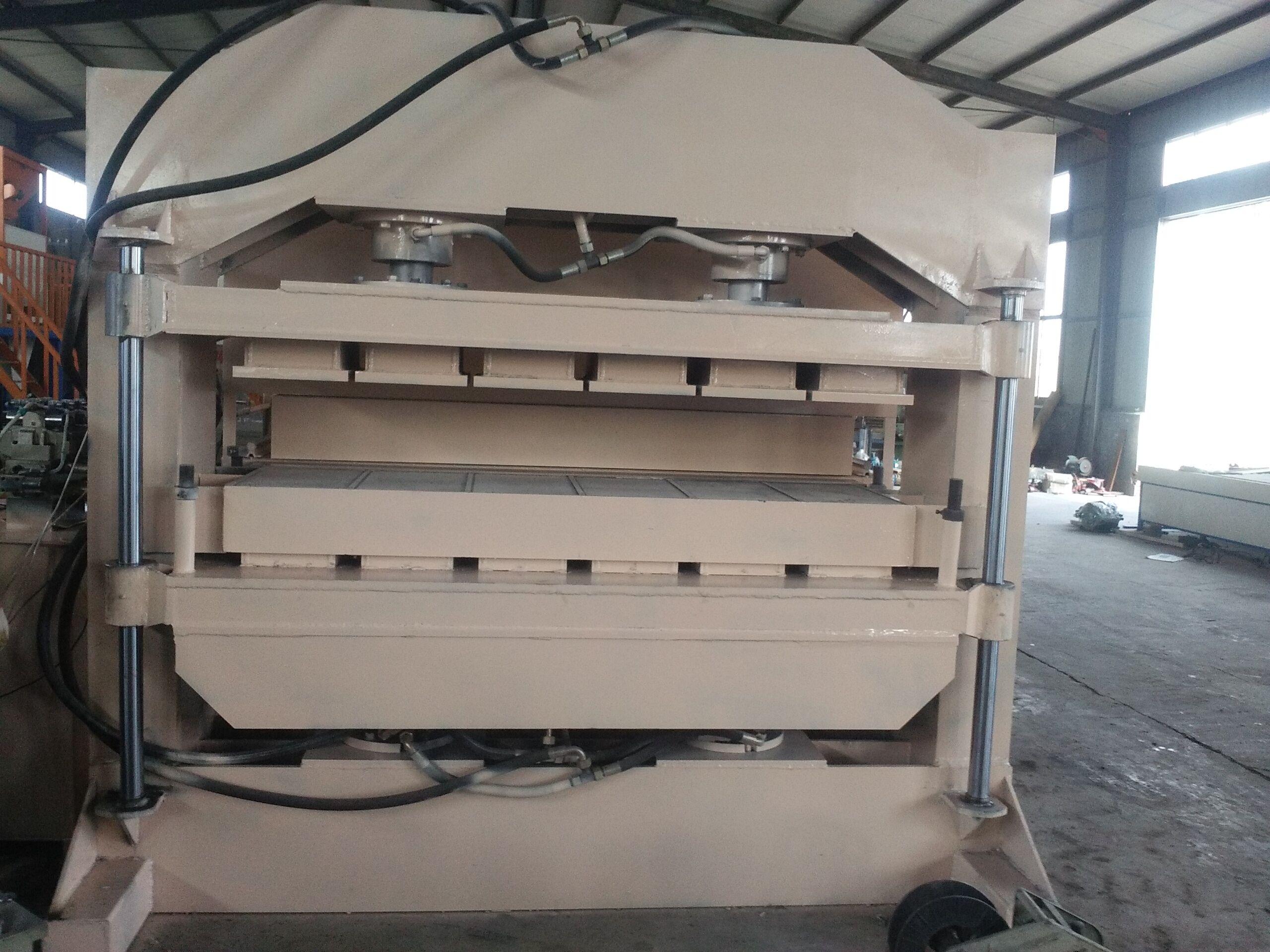 供应珍珠岩外墙保温防火板压板机设备A新型水泥板压力机厂家